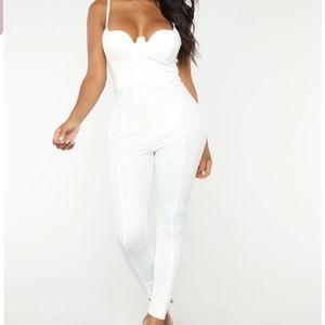 NWT Fashio nova Rita Jumpsuit size XL white